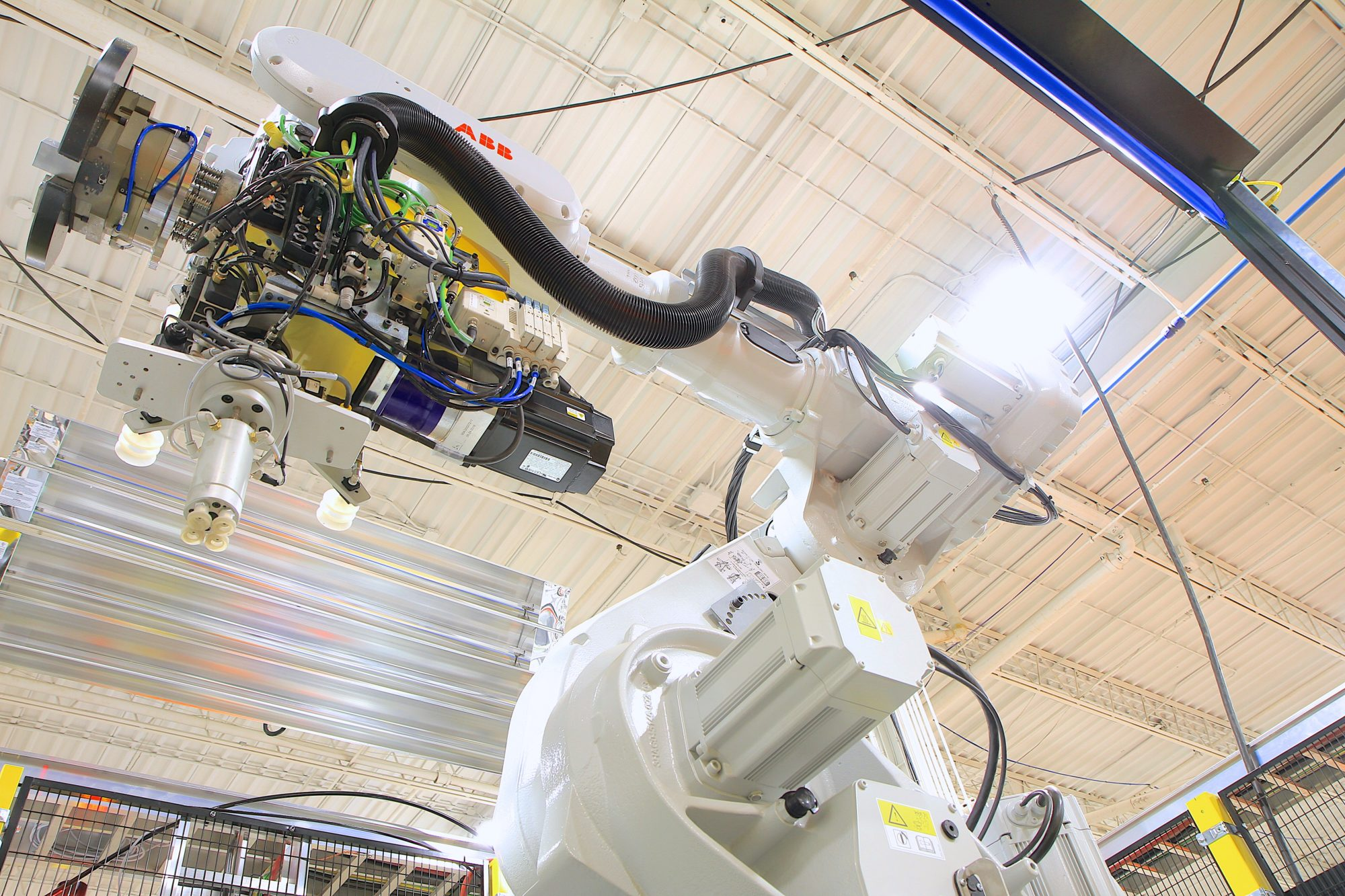 Thread & pipe automated robotic system