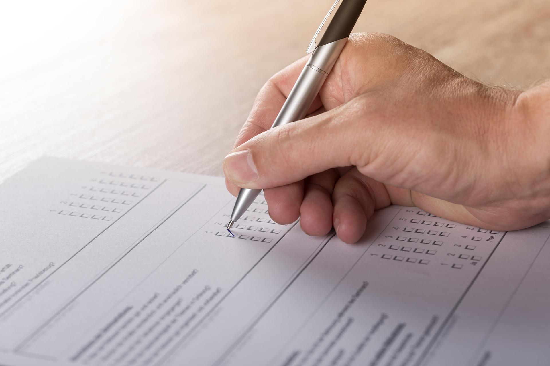 Man filling out survey