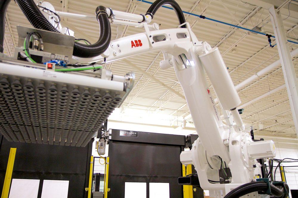 Automated robotic palletizer