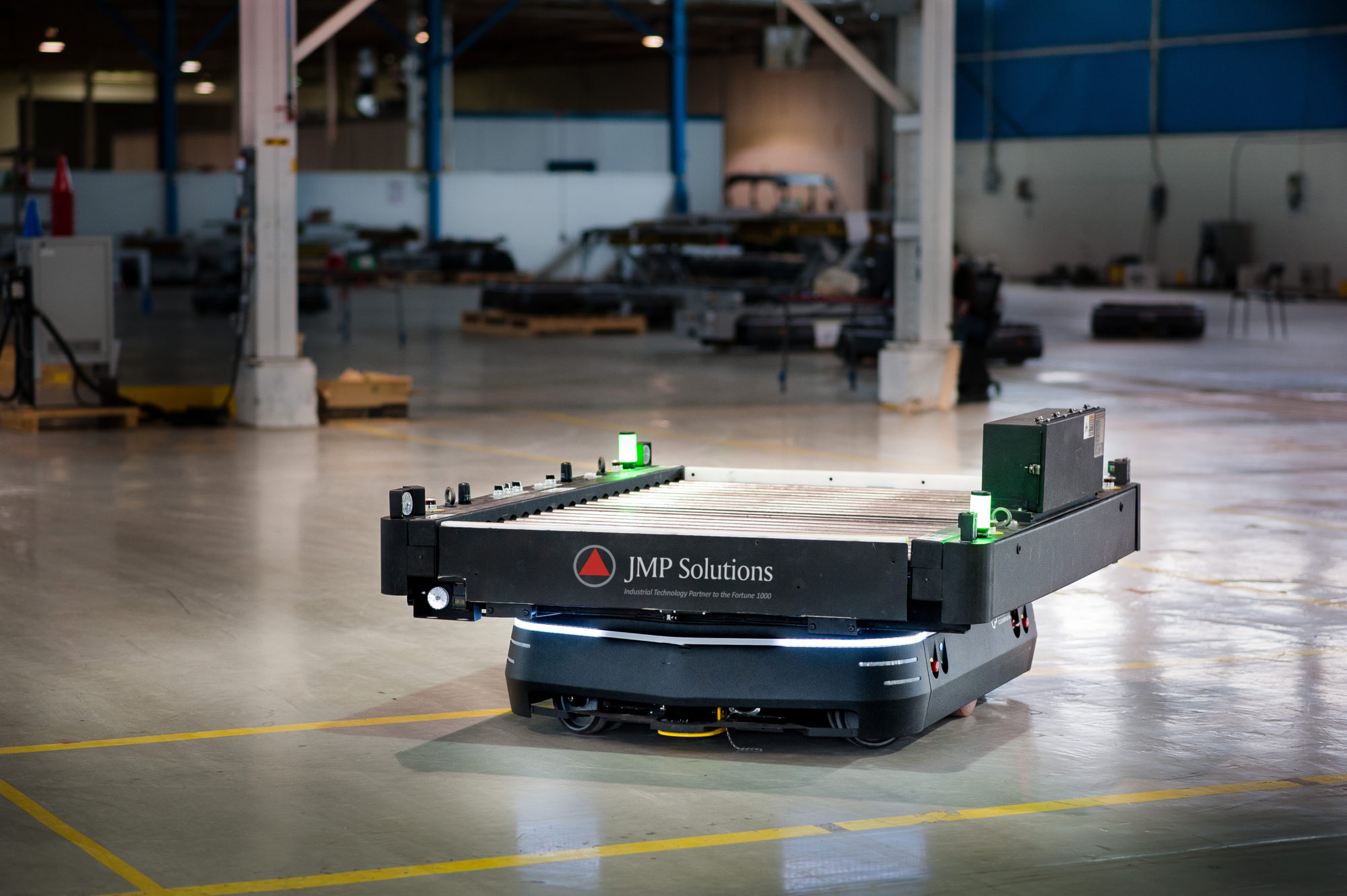 Automated guided vehicle in warehouse